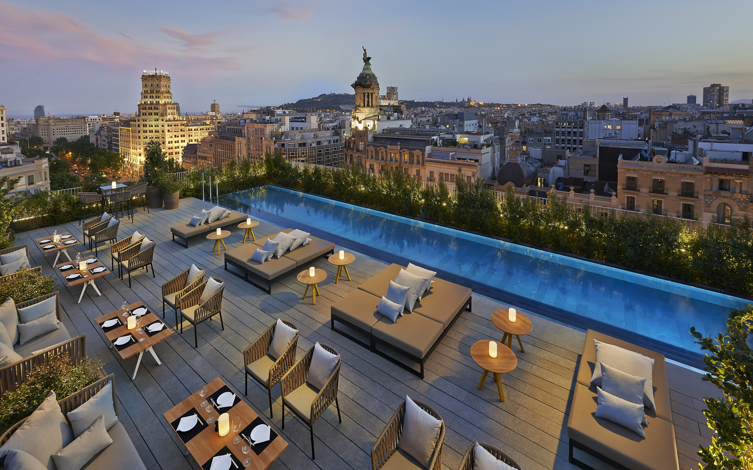 The Mandarin Oriental Hotel Boasts a Spectacular 360-Degree View of the Great City from its Terrace Rooftop