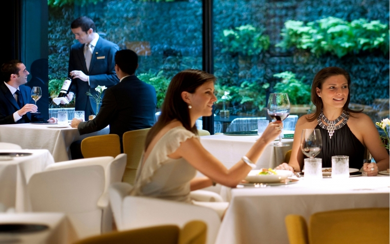 Barcelona, 'Moments' One of the Best in Fine Dining