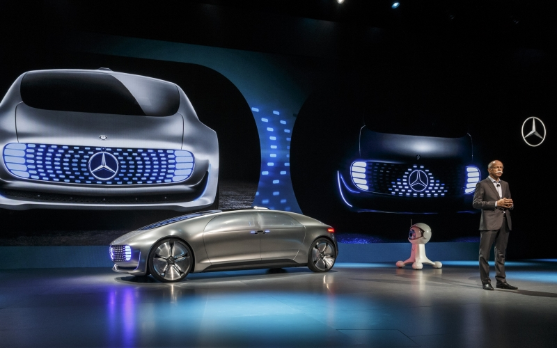 Mercedes F015 Silhouette that is Modern and Sleek