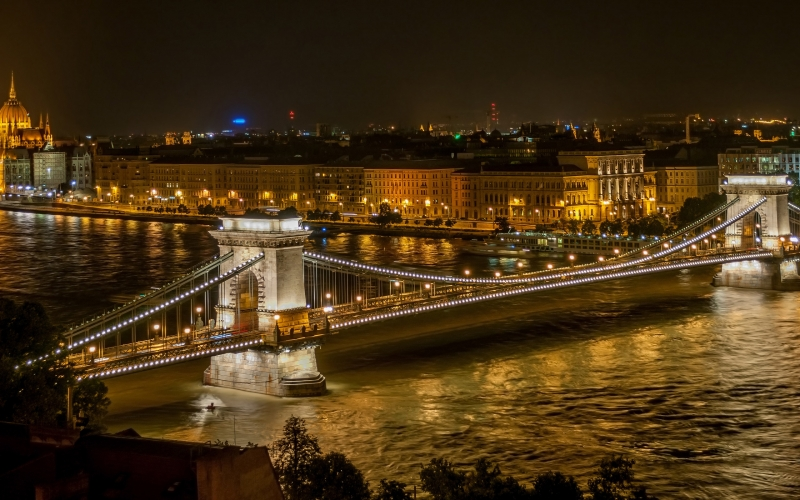 The Széchenyi Chain Bridge at Night