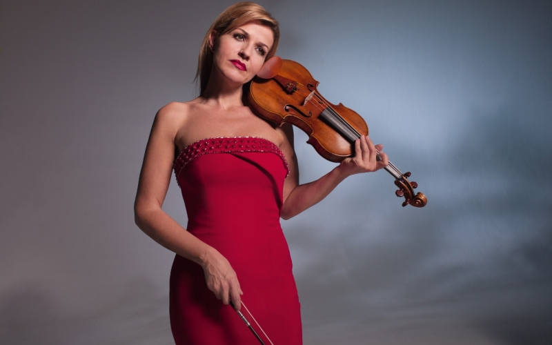 Anne Sophie Mutter, a Rapturous Goddess and her Stradivarius