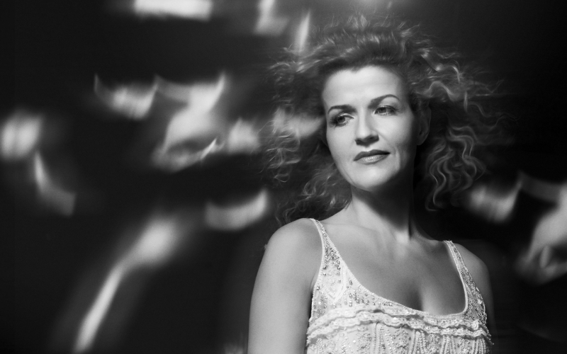 Anne-Sophie Mutter, a Rapturous Goddess and her Stradivarius