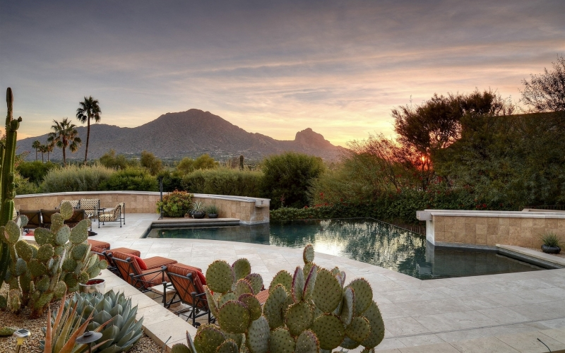 Johnathon De Young at Russ Lyon Realty...Providing Unparalleled Service in Paradise Valley, AZ